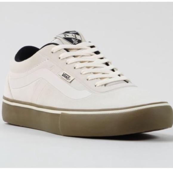 628a6c7427 Vans AV Rapidweld Pro White Gum Size Men 11.5. M 5a9a13f5f9e501c80e677f6c